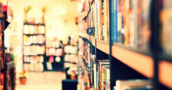 不願在通路大戰中坐以待斃 新銳作家發起獨立書店串遊行